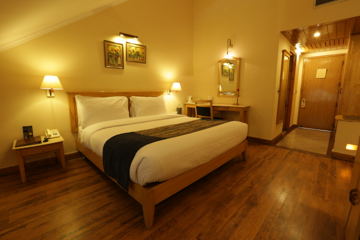 Luxurious room at best hotel in shimla